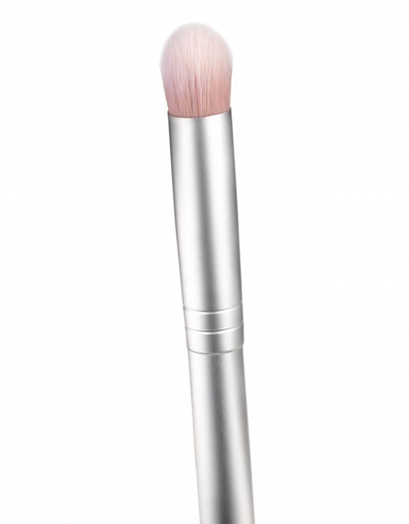 RMS eyeshadow brush