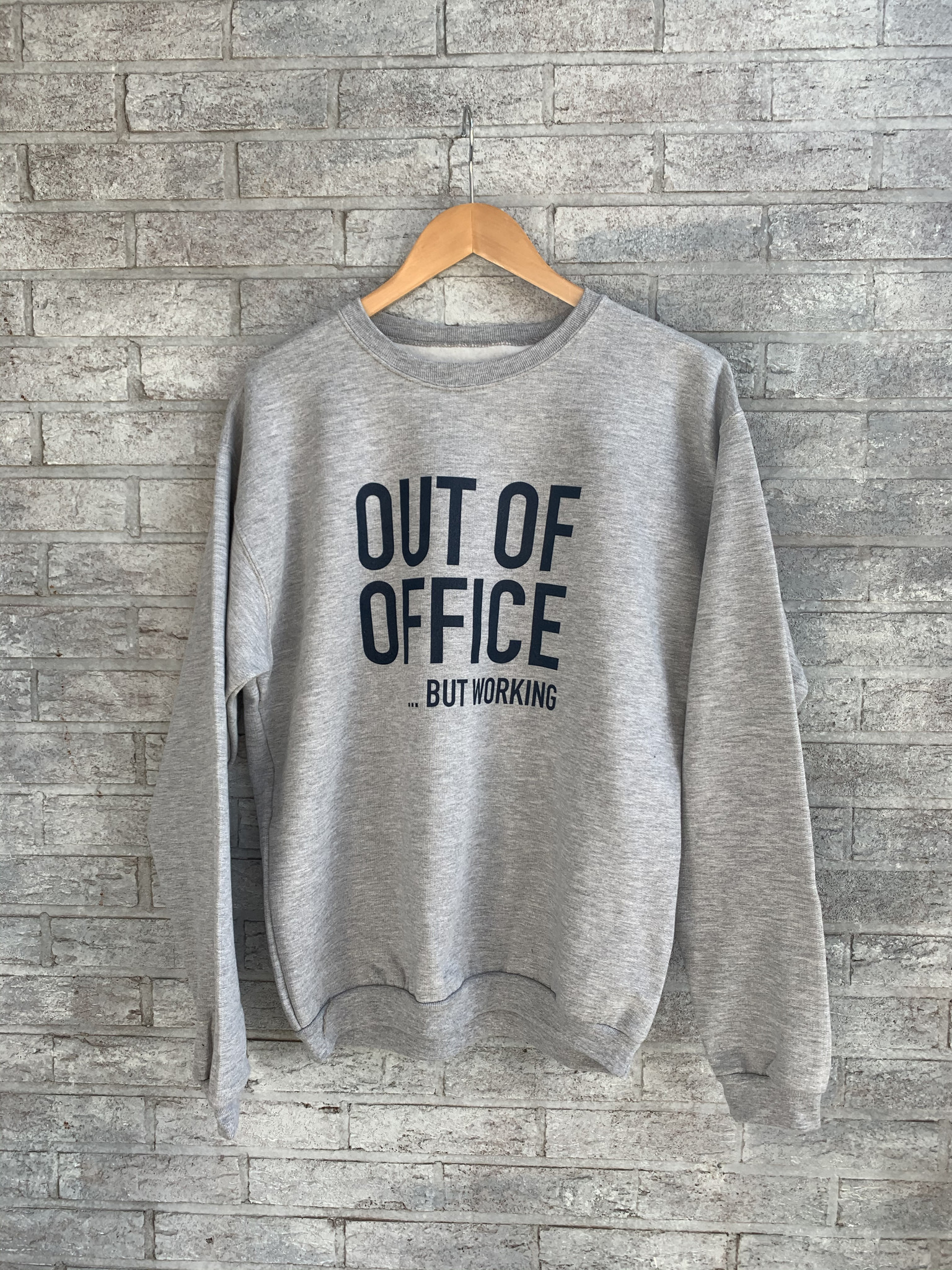 MYSHIRT OUR OF OFFICE H GREY SWEATER