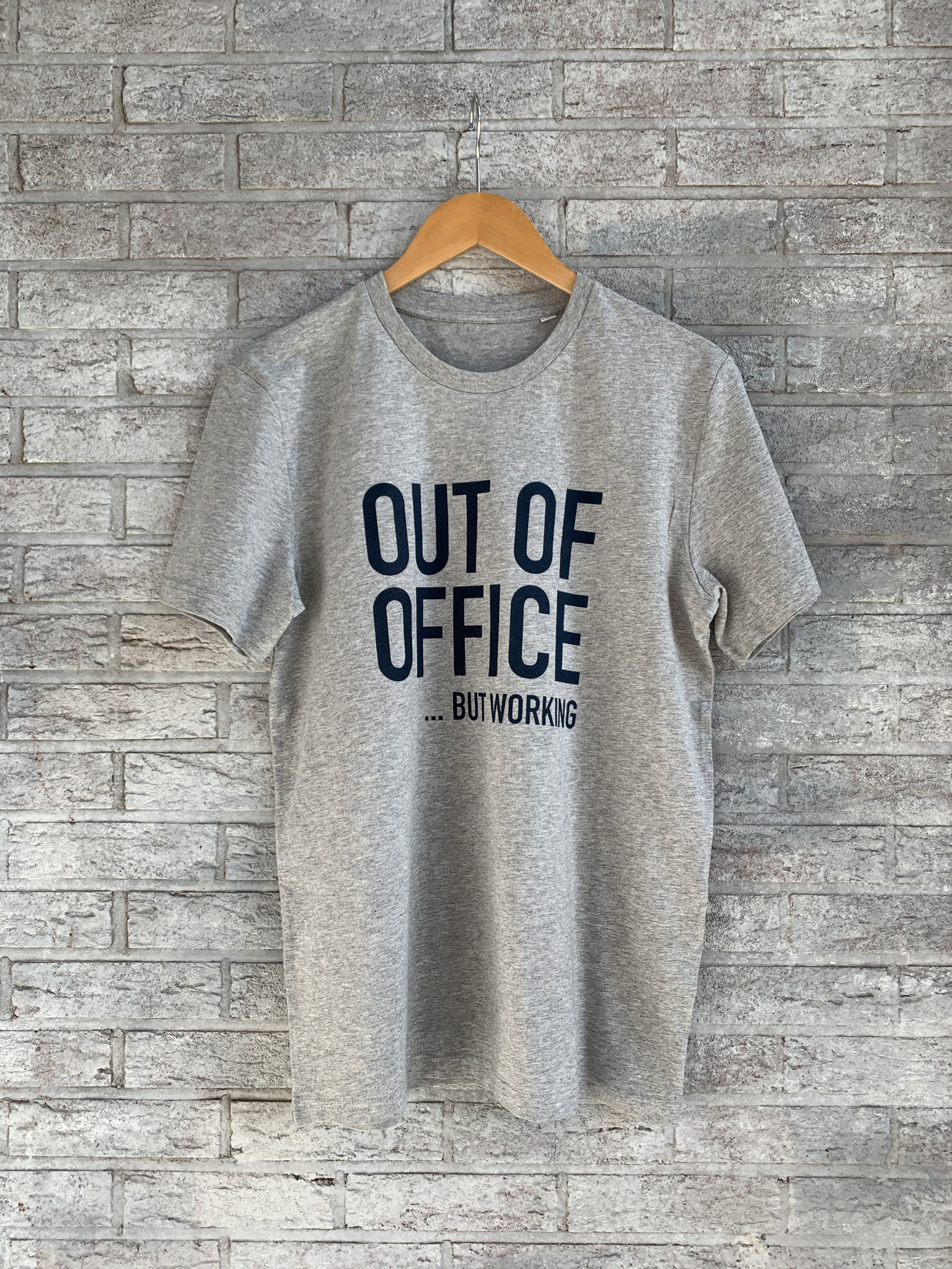 MYSHIRT OUT OF OFFICE T-SHIRT