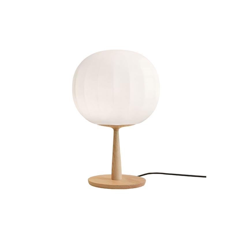 Lita medium met voet tafellamp