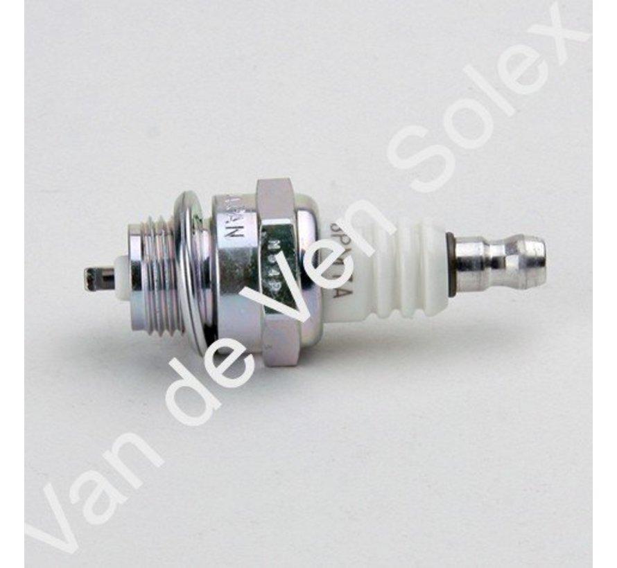 12. Short sparking plug for racecylinderhead Solex