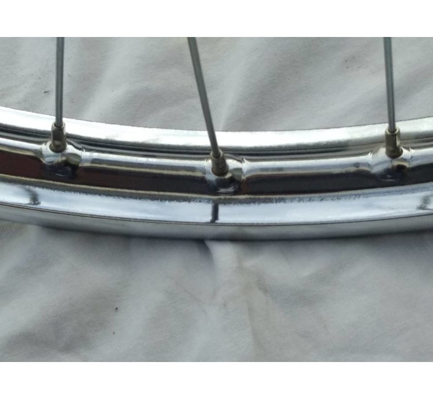 10. Front wheel without tyre and inner tube Dutch Solex