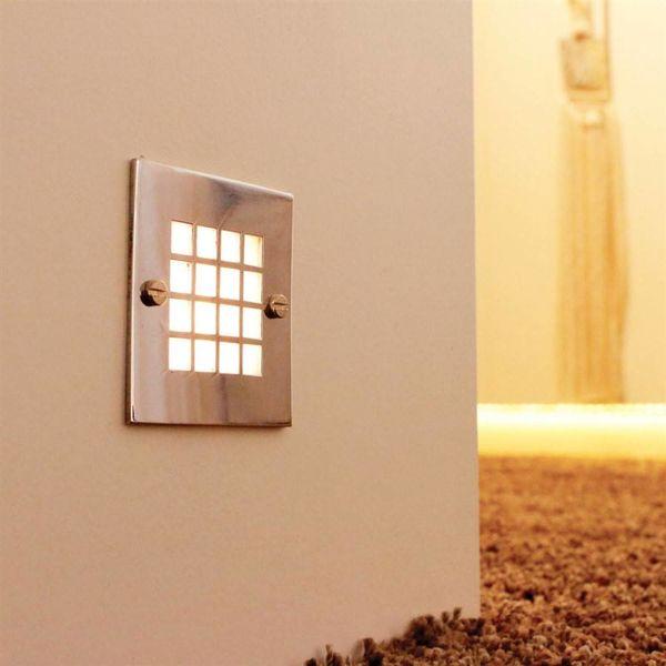 Eclairage marche escalier extérieur carré rustique