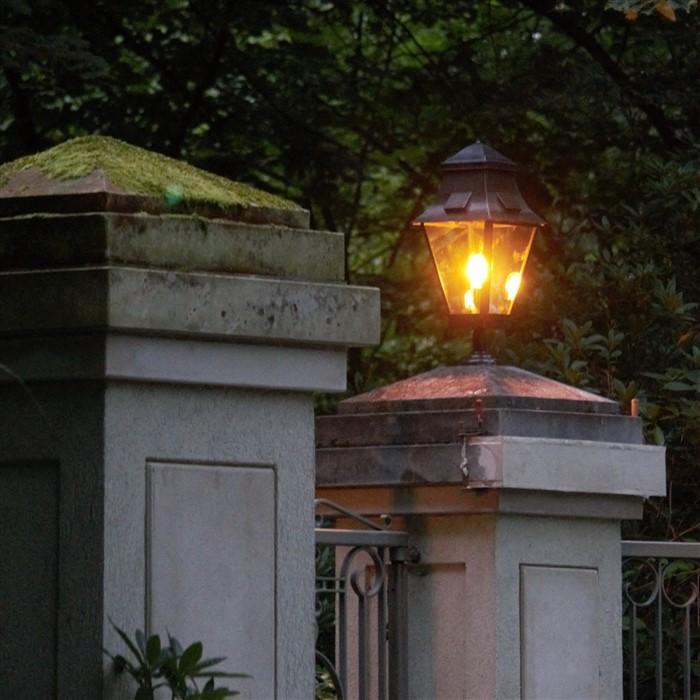 Sokkellamp buiten landelijk brons met glas