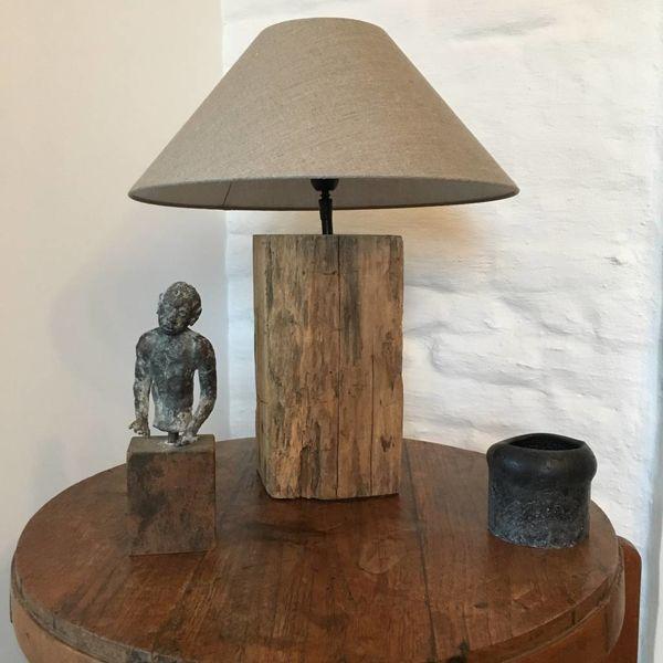 Lampe de chevet en bois avec abat-jour