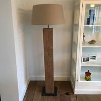 Lampadaire bois rustique avec abat-jour