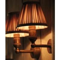 Wandlamp barok met lampenkap brons