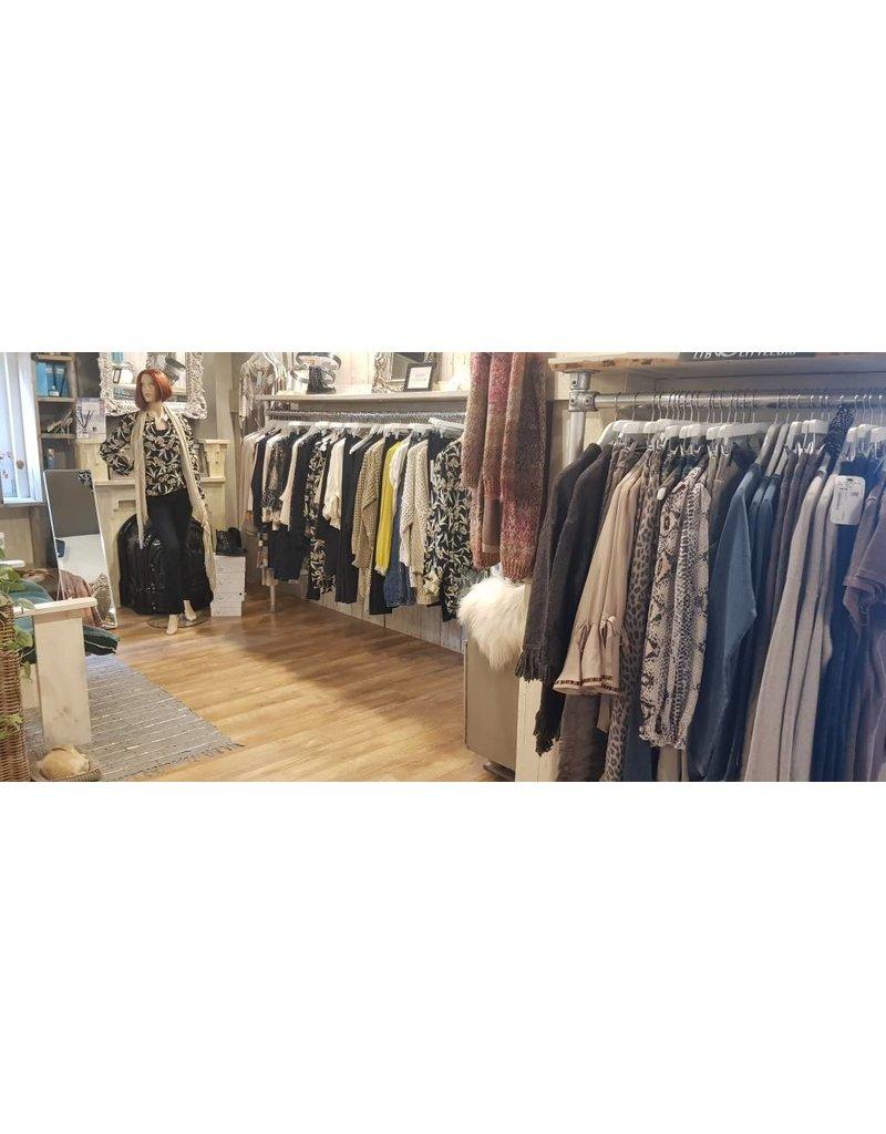 Onbeperkt gratis sjaal bij aankoop nieuwe collectie Inmocasa in Strijen