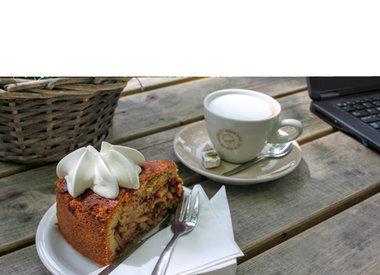 De Platte Reedijk - Koffie met Dudok appelgebak en slagroom voor € 3,50,-