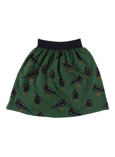 CarlijnQ Black bird, een vrolijk groen rokje met vogel print en zwarte taille band.