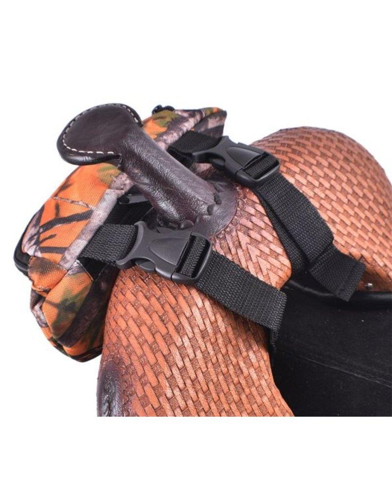 Showman ® Showman ® Leopard Print Insulated Nylon Saddle Pouch.