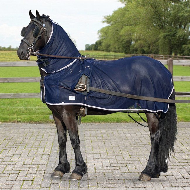 Fly driving rug with neck cover