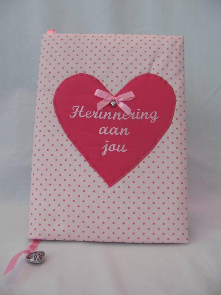 Herinneringsboek stip roze