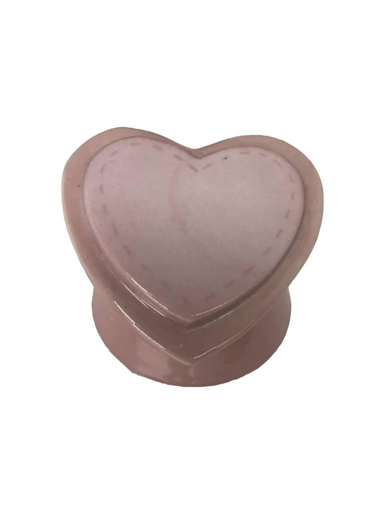 Urn op sokkel, roze hart