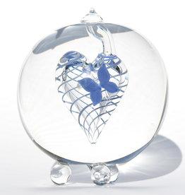 Urn glas met blauwe vlinder