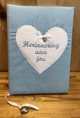 Herinneringsboek blauw met witte stipjes