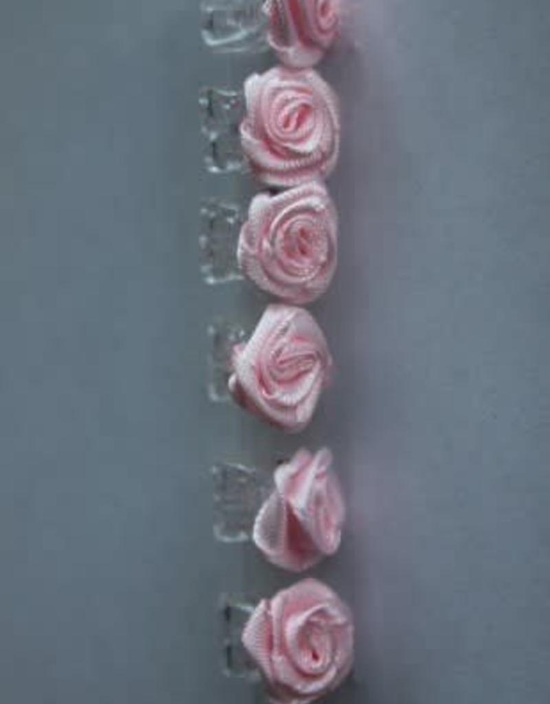 6 roosjes roze op rietje