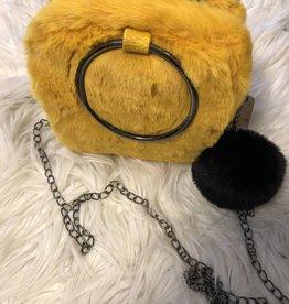 Tasje oker geel bont met ketting en zwarte sleutelhanger