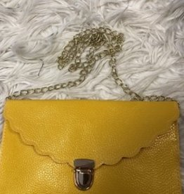 Tasje enveloppe geel met gouden ketting