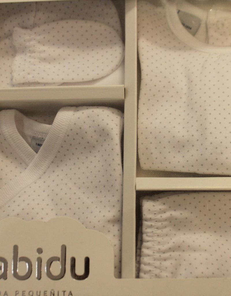 Babidu Babidu New Born Pakje hemdje, muts en wantjes