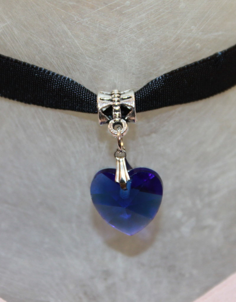 Hals bandje zwart fluweel met blauw hartje