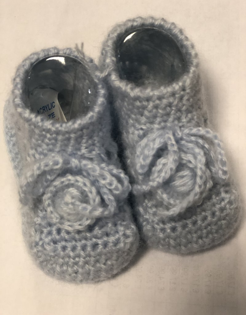 Klein Slofjes baby gebreid lichtblauw