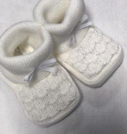 Klein Slofjes baby gebreid wit