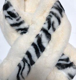 Bontsjaal off white met zwart panter look