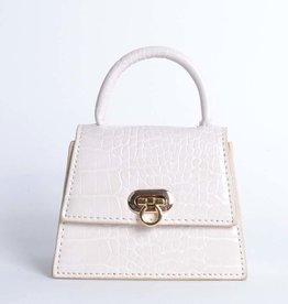 Tasje mini off white met een kettingschouderband. De tas heeft een krokoprint.