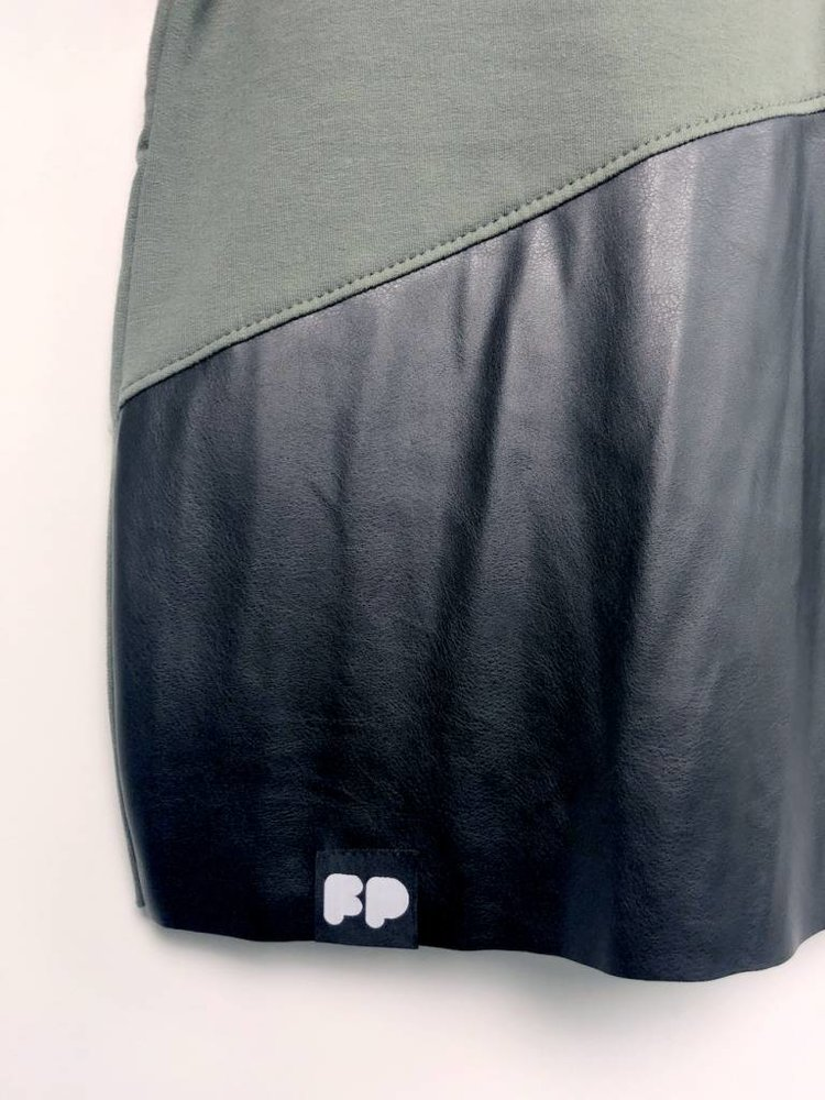 GIRL SWEATSHIRT DRESS × KHAKI/ BLACK LEATHER