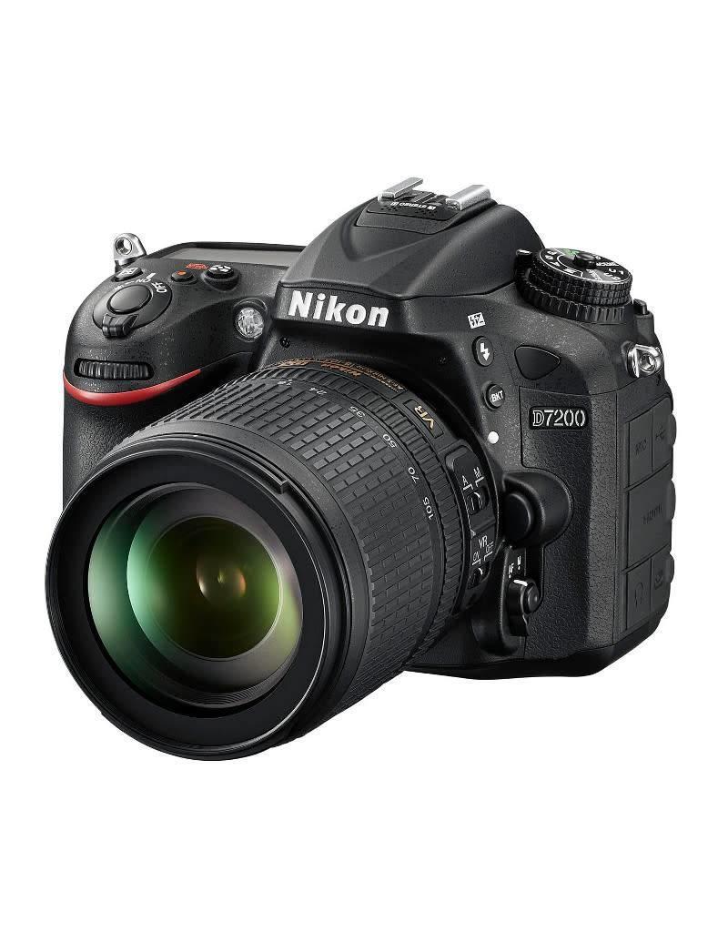 Nikon Nikon D7200 + AF-S 18-105mm VR