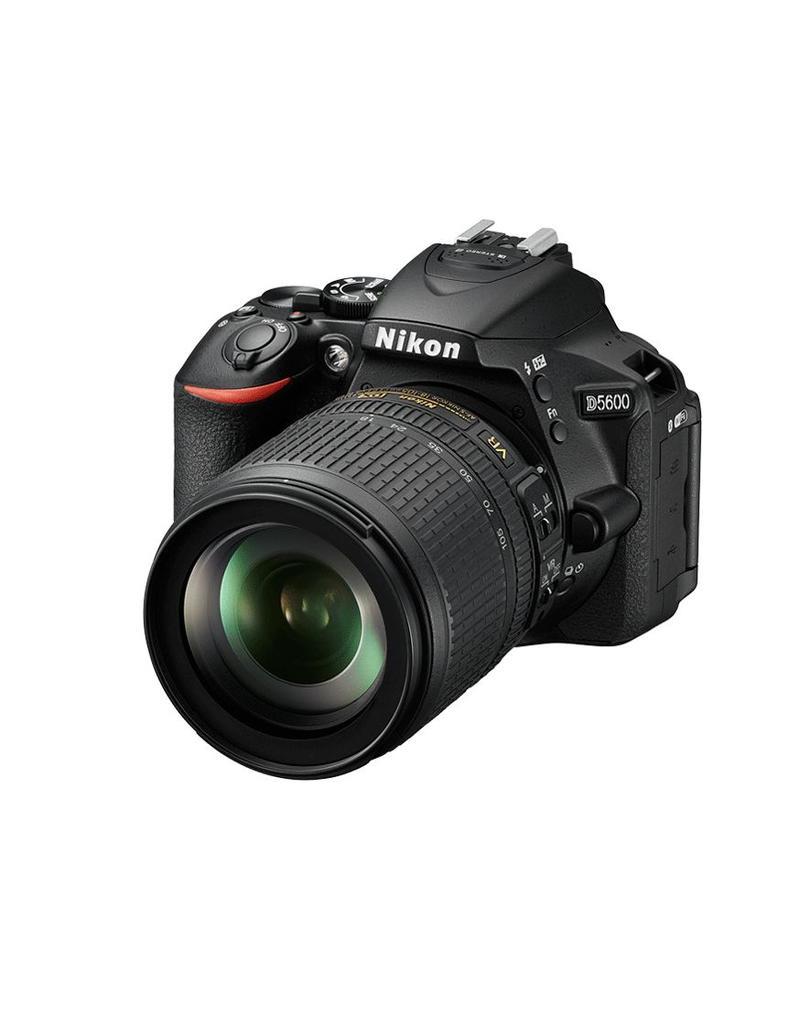 Nikon Nikon D5600 + AF-S DX 18-105 VR