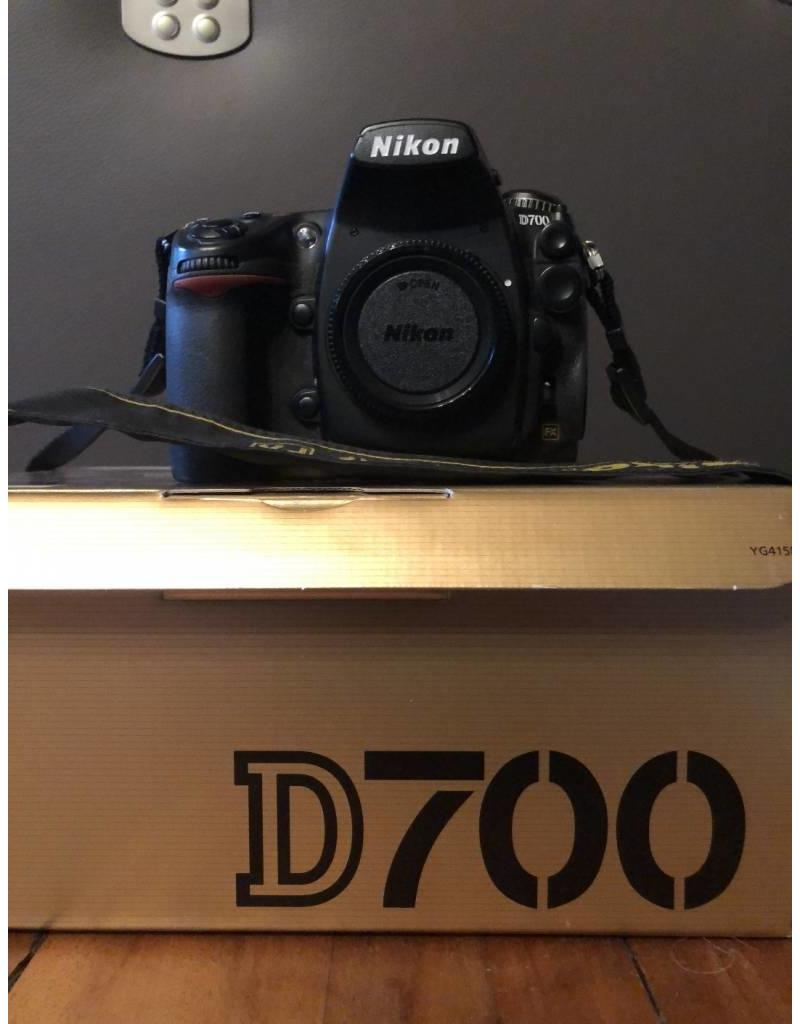 Nikon 2dehands Nikon D700 body + MB-D10 grip