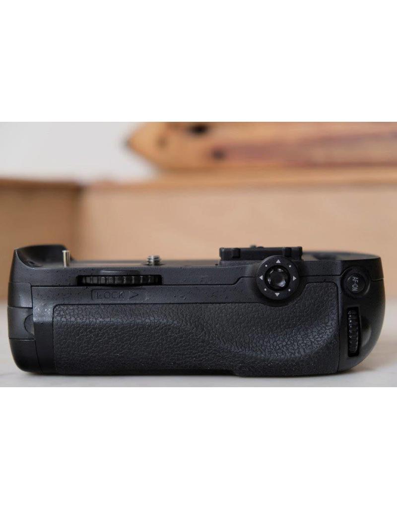 Nikon 2dehands Nikon D800 body + MB-D12