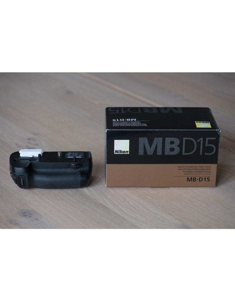 Nikon 2dehands Nikon MB-D15 + L-plate