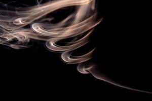 Rook van de houtkachel in de kamer - hoe los ik dit op?