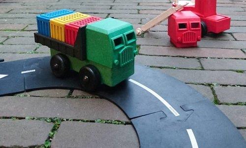 Luke's Toy Factory   Vrachtwagens bouwen uit blokken