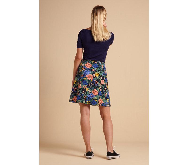King louie - border skirt belize - night