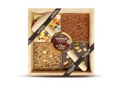 Le Comptoir de Mathilde Chocolats a Casser 4Choc (Lait noisette, Blanc surprise partie, Noir fruits secs, Lait caramel)400g 4st