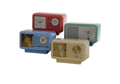 Grandma Wild's Nostalgic Clock Radio Tin 210g 8st