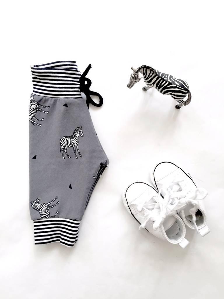 SuzyB Broek zebra