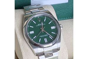 Rolex Oyster Perpetual Ref.124300  green