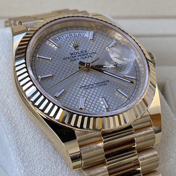 Rolex Day Date 228238 Silver Diagonal Dial, unworn, 2020, Eu, Box &Papers, silber
