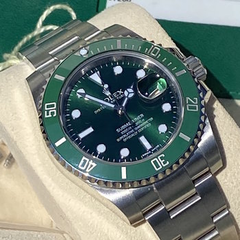 Rolex Submariner Date 116610LV 2015, unpolished, Box&Papers, near mint