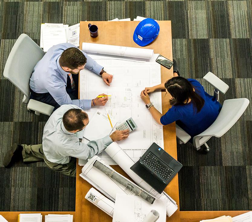 Réunion d'équipe pour l'optimisation de l'entrepôt - Rotomshop