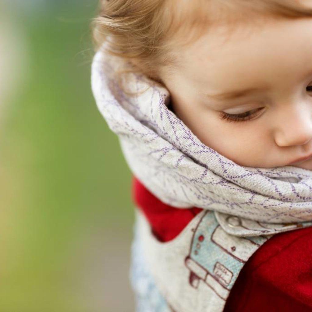 Sveja Babywearing Nuscheli /  Mulltuch Säsong Lupiineille