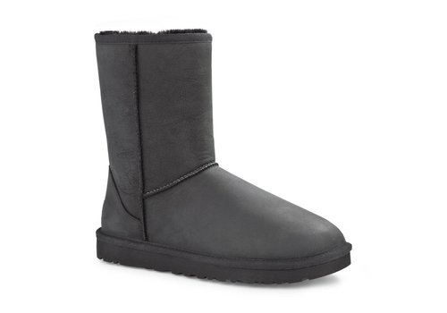 UGGS CLASSIC SHORT LEATHER WATERPROOF LAARZEN BLACK