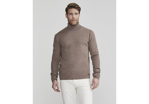 Holebrook Holebrook Otto Rollneck Walnut
