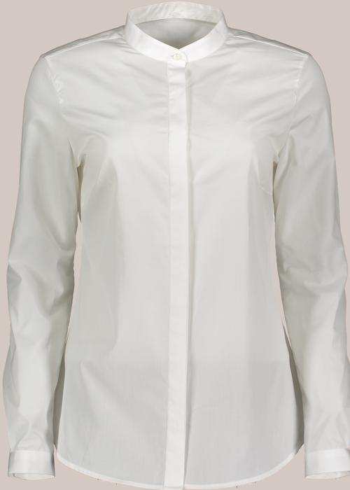 Laura Blagho White shirt