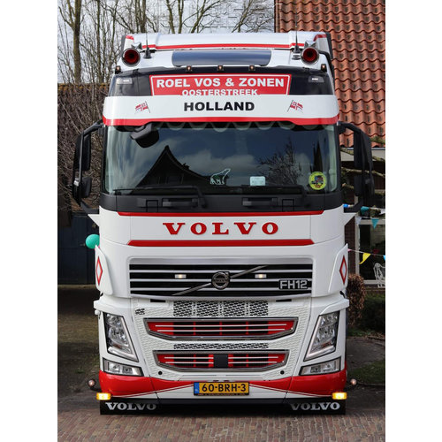 Upper front grille for Volvo Trucks FH4